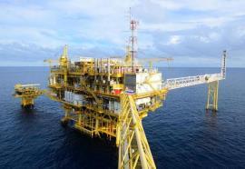 大海中的石油钻井,到底能承受多大风浪?说出来你都不一定会相信